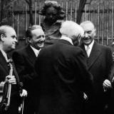 Das Strub-Quartett mit Bundespräsident Heuss und Bundeskanzler Adenauer