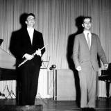 Volker Straus (Tonmeister, re.) und Christoph Beltinger, um 1959, Aula